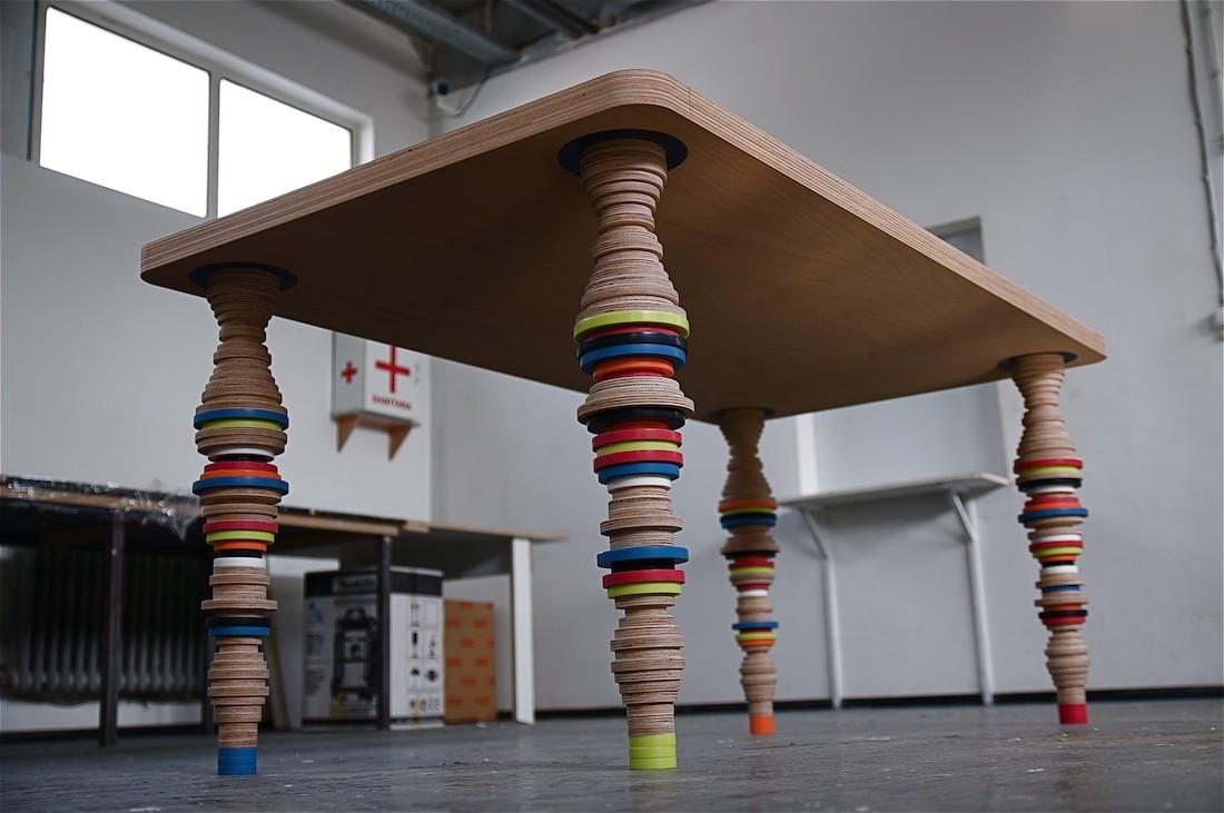 masa din corian si lemn